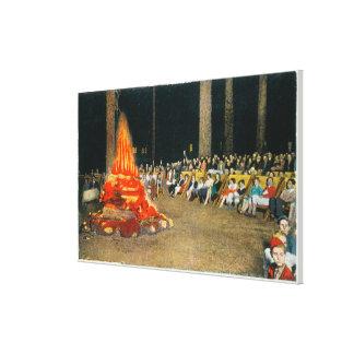 Hoguera de la tarde en la casa de campo gigante de lona estirada galerías