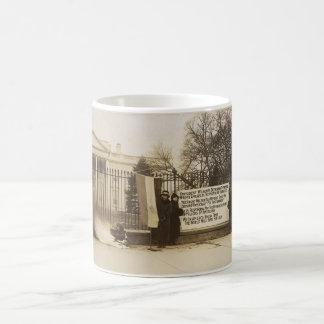 Hoguera del Suffragette de las mujeres en la C.C. Taza De Café