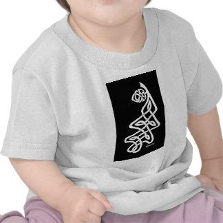 Hoja blanca del roble de Knotwork en negro Camiseta