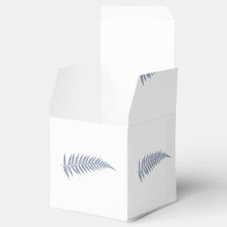 Hoja botánica presionada del helecho - color de la caja para regalos de fiestas