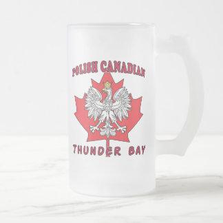 Hoja canadiense polaca de Thunder Bay Jarra De Cerveza Esmerilada