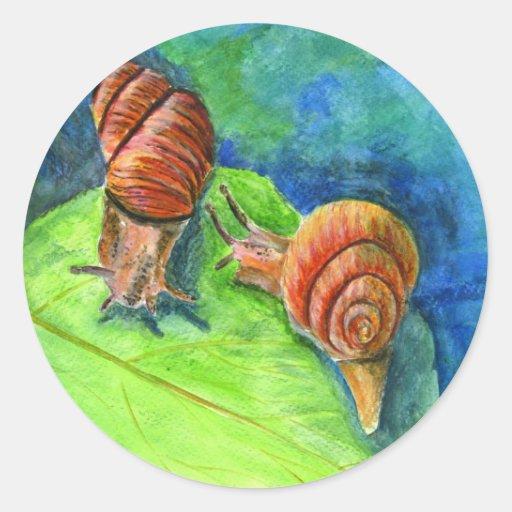 Hoja con dos caracoles - acuarela pegatinas redondas