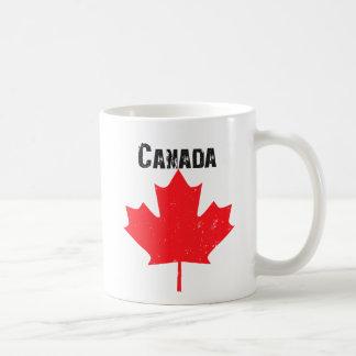 Hoja de arce canadiense sucia taza