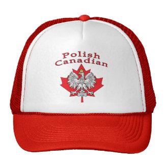 Hoja de arce con el canadiense polaco gorra