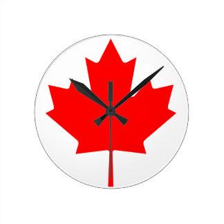 Hoja de arce de Canadá Reloj Redondo Mediano