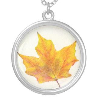 Hoja de arce del otoño en sombras del oro pendiente personalizado