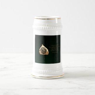 Hoja de oro jarra de cerveza