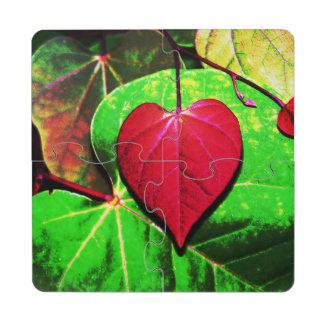 Hoja del corazón de Redbud Posavasos De Puzzle