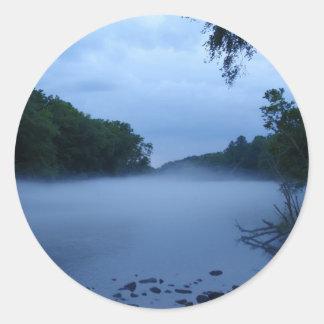 Hoja del pegatina - niebla del río Chattahoochee