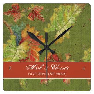 Hoja rica elegante de la uva del otoño del color reloj cuadrado