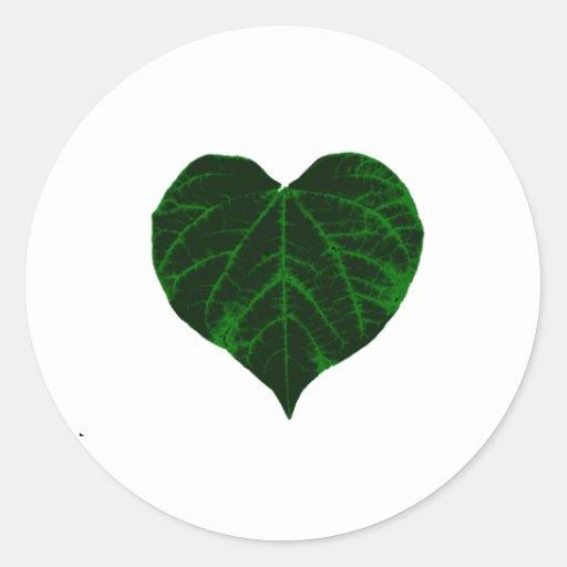 Hoja verde del corazón pegatinas redondas