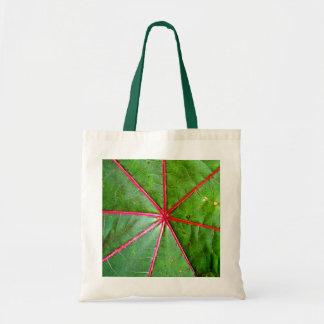 Hoja verde y roja del echador bolsa