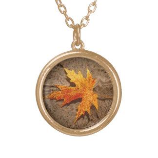 Hoja y arena del otoño colgante redondo