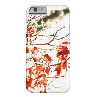 Hojas de arce abstractas funda barely there iPhone 6