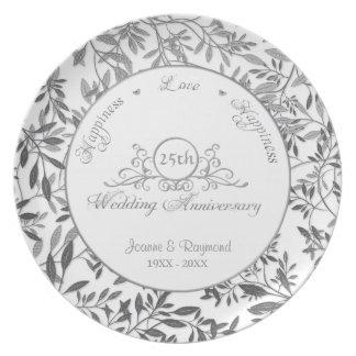 Hojas de la 25ta placa del aniversario de boda de platos de comidas