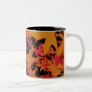 Hojas de la caída tazas de café