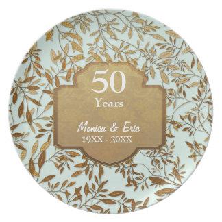 Hojas de la placa del aniversario de boda del oro platos
