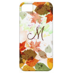 Hojas de otoño anaranjadas femeninas del verde ama iPhone 5 Case-Mate carcasa