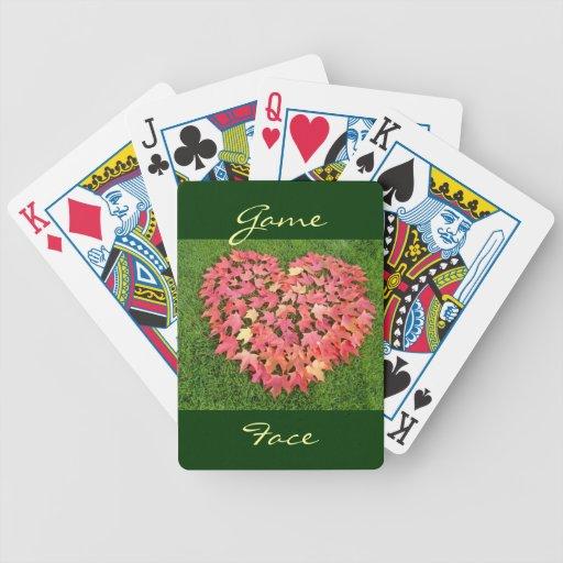 Hojas de otoño del corazón de los naipes de la car barajas de cartas