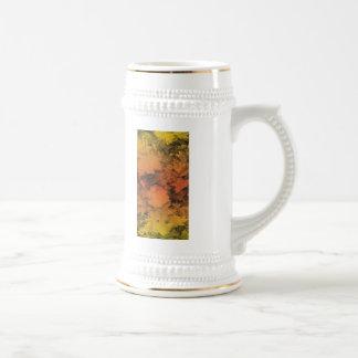 Hojas de otoño en naranja y oro taza