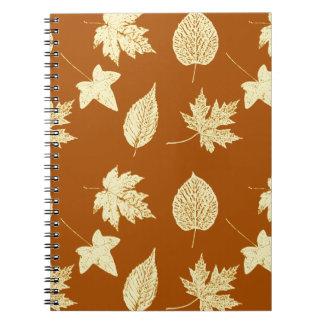 Hojas de otoño - marrón y crema del moho libreta espiral