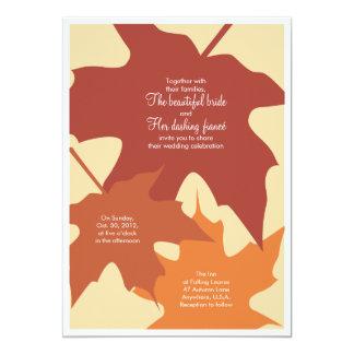 Hojas de otoño que casan la invitación - naranjas