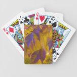 Hojas de otoño vibrantes de la púrpura y del oro baraja cartas de poker