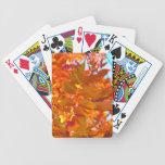 Hojas de otoño vibrantes del naranja y del oro cartas de juego