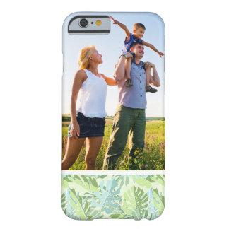 Hojas de palma tropicales en colores pastel de la funda barely there iPhone 6