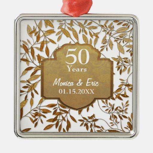 Hojas del aniversario de boda del oro 50.o adorno navideño cuadrado de metal