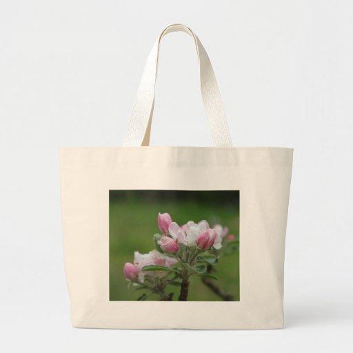hojas del flor y del verde de la manzana bolsa tela grande