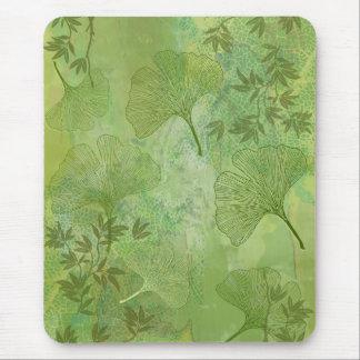 Hojas del Ginkgo y del bambú - colores verdes Mouse Pads