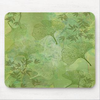 Hojas del Ginkgo y del bambú - colores verdes Tapetes De Raton
