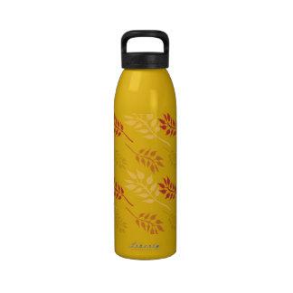 Hojas del oro y del rojo botella de agua