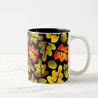 hojas del roble del otoño tazas