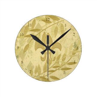 Hojas elegantes lamentables de Chevron del oro del Reloj Redondo Mediano