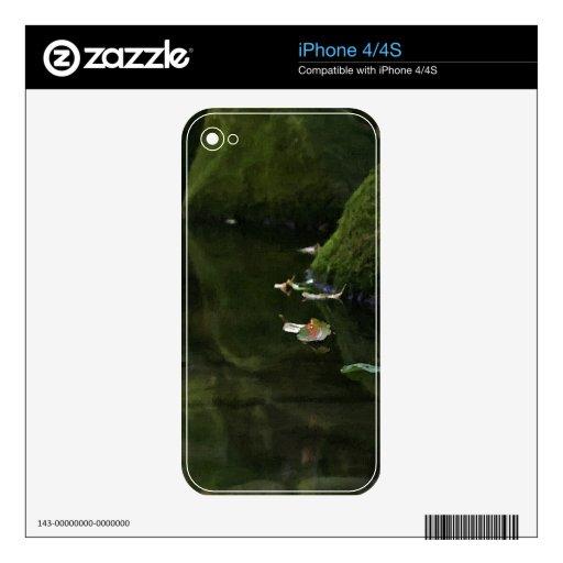 Hojas en ilustraciones de la piscina del río skins para eliPhone 4S