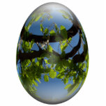 hojas felices de los jóvenes del huevo de Pascua Esculturas Fotograficas