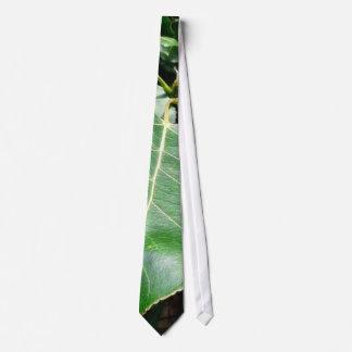 Hojas grandes del verde en Forrest Corbata Personalizada