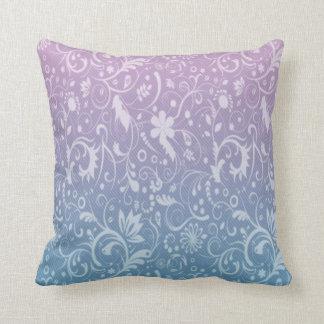 Hojas remolinadas azules y Ombre púrpura Cojines
