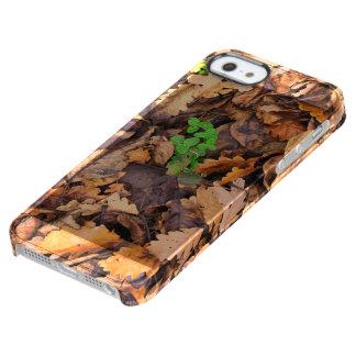 Hojas secas del otoño y tréboles verdes funda clearly™ deflector para iPhone 5 de uncommon