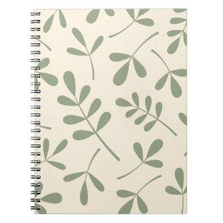 Hojas verdes clasificadas grandes en el diseño cuaderno