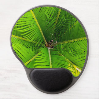 Hojas verdes de la palmera del primer alfombrilla de ratón con gel