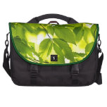 Hojas verdes de la primavera bolsas para portátil