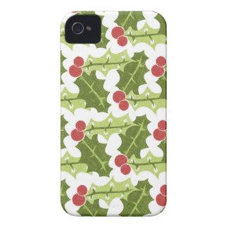 Hojas verdes del acebo y modelo rojo de las bayas iPhone 4 Case-Mate cárcasa