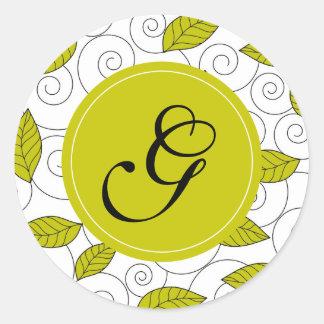 """Hojas y espiral del verde con el monograma de """"G"""" Pegatina Redonda"""