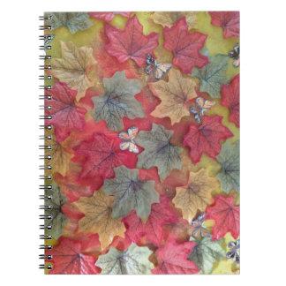 hojas y mariposa de otoño 3d libro de apuntes