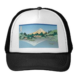 Hokusai Mount Fuji reflects in Lake Kawaguchi Mesh Hats