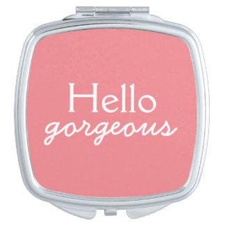 Hola adulación magnífica a cada cara - suavemente espejo compacto