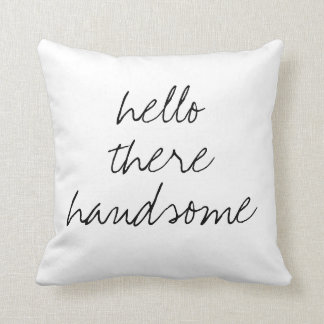 Hola allí almohada cuadrada hermosa
